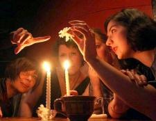 Способи ворожіння на нареченого в різних країнах