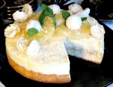 Торт з білим шоколадом і ананасами