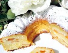 Сирно-кокосовий кекс з абрикосами